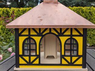 Exklusives Vogelhaus/Futterhaus mit Fachwerk und Kupferdach